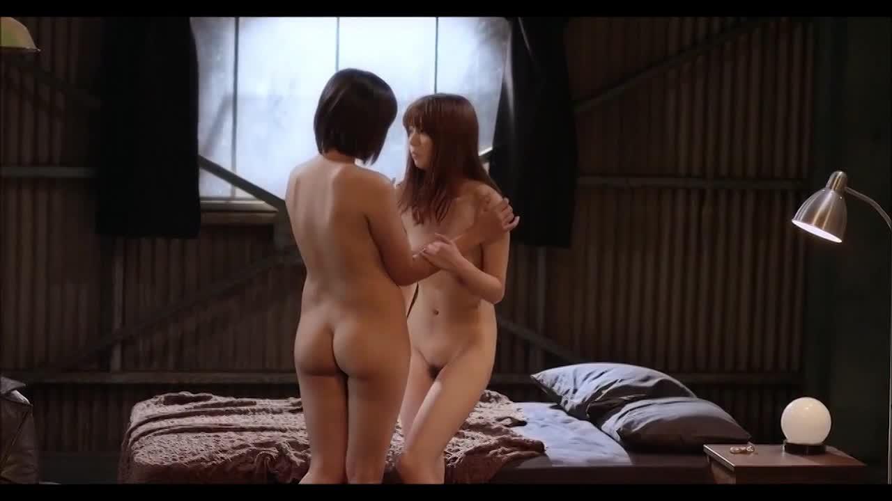 女優の芳賀優里亜が全裸レズプレイの濡れ場で見せる超絶なる美乳とイキ顔